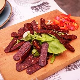 Колбаси и деликатеси